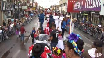 Telemundo Chicago dice presente en el desfile patrio de La Villita