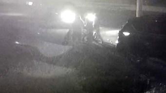 En video: atropella a cuatro jóvenes y se da a la fuga