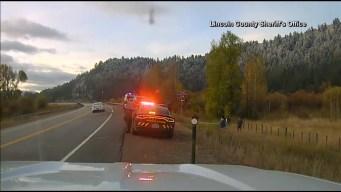 Casi atropella a un policía tras resbalar con el hielo negro