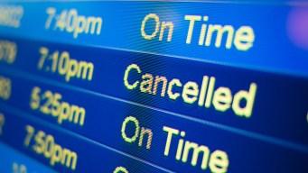 Cancelan cientos de vuelos en Chicago por tiempo severo