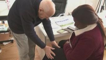 Doctor francés sigue trabajando a los 98 años y no piensa retirarse