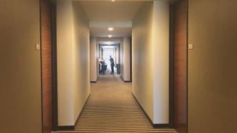 Recamareras lo cuentan todo: los secretos de los hoteles lujosos de Chicago