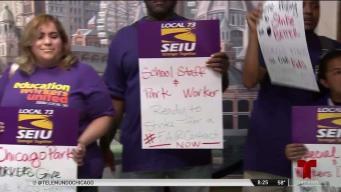 Al borde de la huelga: maestros y empleados de parques en Chicago