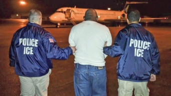 ICE otorga poder a autoridades para arrestar inmigrantes