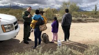 Juez mantiene bloqueo a plan de Trump contra asilo