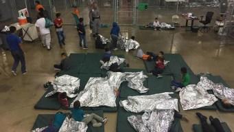 Jueza bloquea reglas de detención de niños migrantes