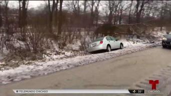 Lluvia helada castiga a Chicago y causa accidentes