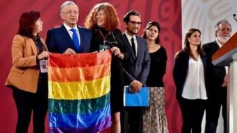 AMLO descarta ley federal para matrimonio igualitario