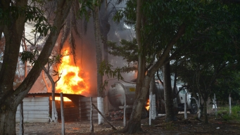 Explota bodega clandestina de gasolina; hay heridos
