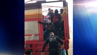 Interceptan a 45 migrantes dentro de un camión