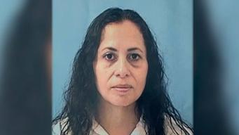 Buscan desestimar cargos a mujer vinculada a policía corrupto