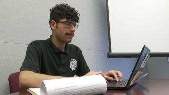 Barrio de Las Empacadoras: estudiante saca calificación perfecta en examen AP