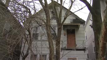 Miles en Chicago podrían perder sus propiedades por no pagar impuestos