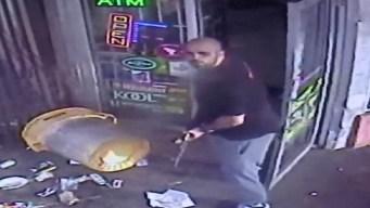 Policía: dueño de tienda dispara AK-47 en altercado con cliente