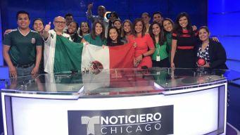 Telemundo Chicago celebra la clasificación de México