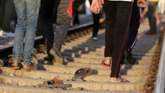 India: tragedia en las vías del tren deja 60 muertos