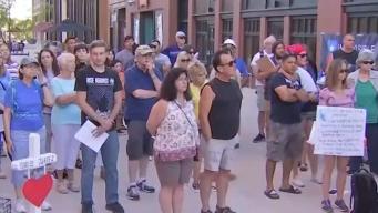Realizan vigilia a favor de la comunidad inmigrante en Aurora