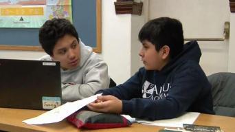 Ayudando a alumnos con trámites universitarios