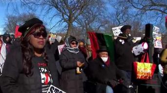 Protestan sentencia de Van Dyke el día de MLK Jr.