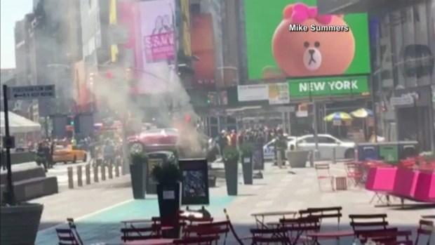 Automóvil atropella y hiere a varios peatones en Times Square