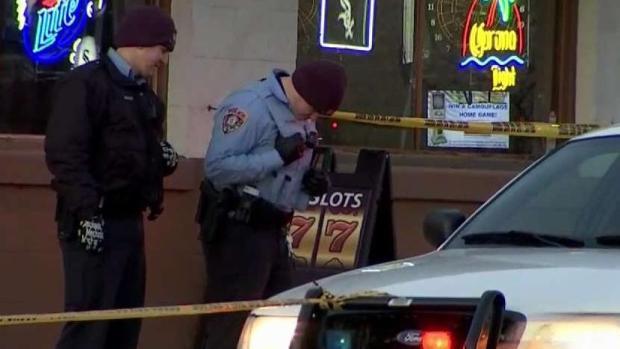 Investigan asesinato dentro de un bar en Joliet