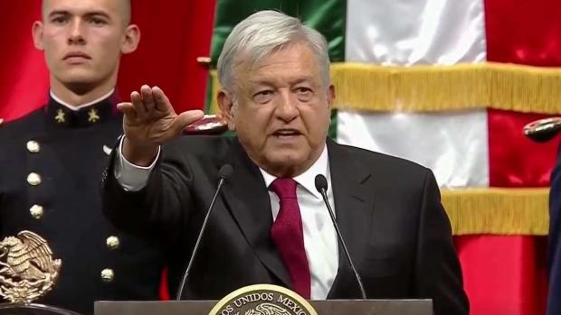 [TLMD - LV] López Obrador juramenta y recibe banda presidencial