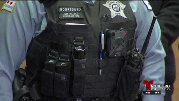 Más cámaras corporales para policías de Chicago