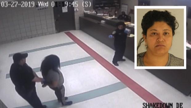 """Video muestra a """"Lady Frijoles"""" en cárcel de Dallas"""