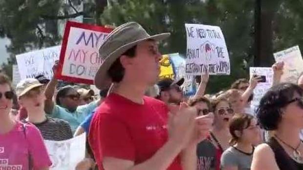 [TLMD - LV] Protestas en EEUU por leyes que condenan el aborto
