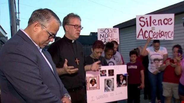 Piden acción en Hermosa tras muerte a tiros de un niño