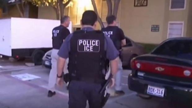 ¿Qué hacer si ICE llega a su puerta?