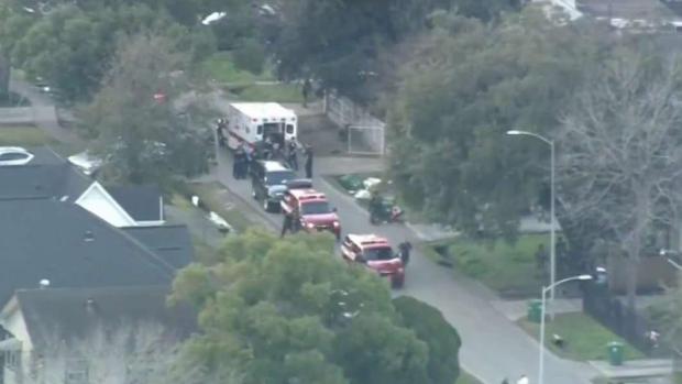 [TLMD - Houston] Vecinos reaccionan a balacera que dejó 5 oficiales heridos