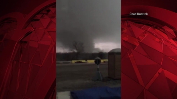 [TLMD - Chicago] Impresionantes videos de los tornados en Illinois