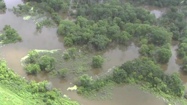 Bajo agua zonas de Gurnee tras paso de potentes tormentas