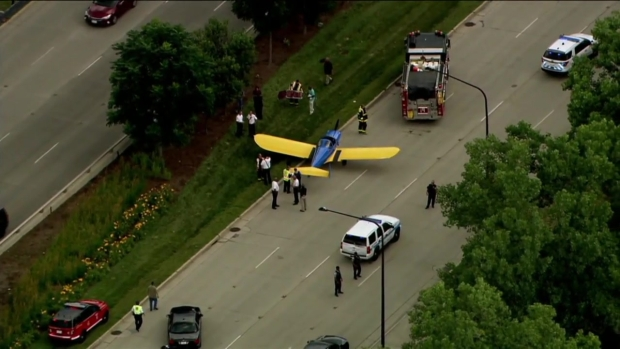 Avioneta aterriza de emergencia en pleno Lake Shore Drive en Chicago