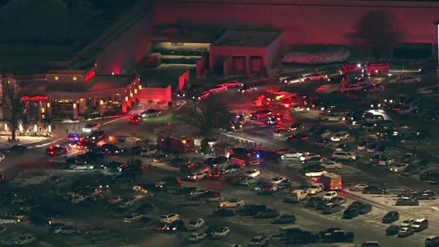Imágenes captan ambulancias rodeando el centro comercial Orland Square