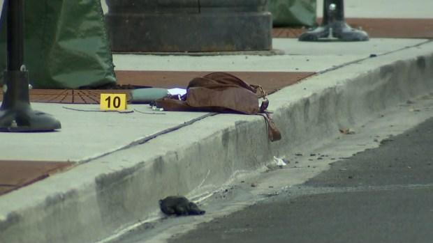 Hallan mujer con el cuello y cara cortados cerca de DePaul University