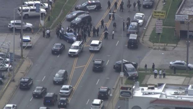 Vistazo de la escena donde estalló un tiroteo tras violento robo en Dolton