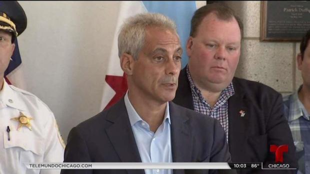 Alcalde de Chicago ofrece condolencias tras mortal incendio