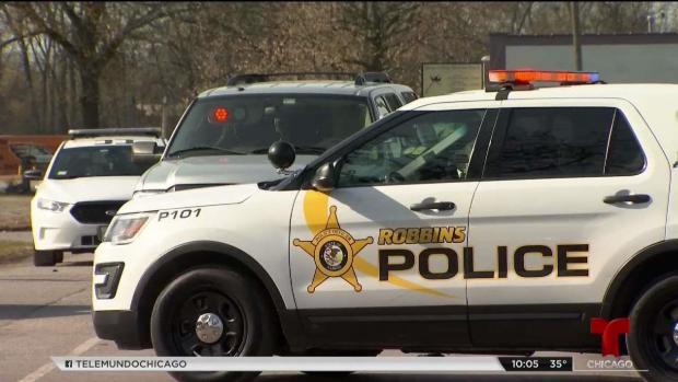 Investigan mortal tiroteo dentro de un bar en Robbins