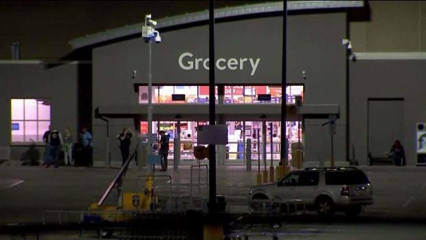 Reporte de disparos sembró el pánico en un Walmart de Bedford Park