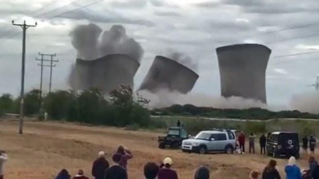 En video: vuelan gigantescas torres de refrigeración