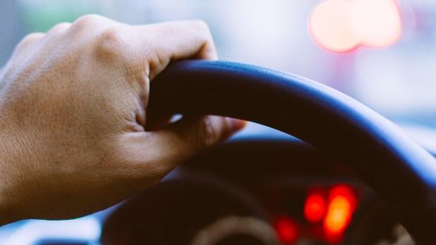 Indocumentados al volante: cómo sacar el seguro de auto y dónde