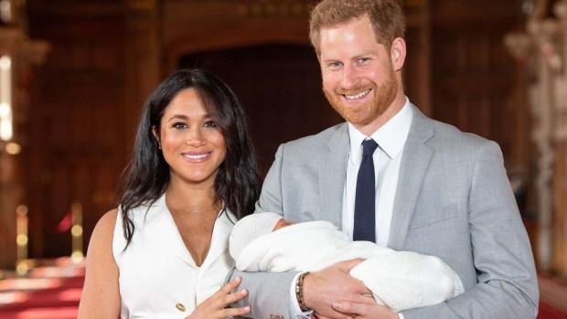 [TLMD - LV] El príncipe Harry y Meghan Markle presentan a su bebé