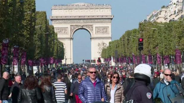 París disfruta de un día sin autos