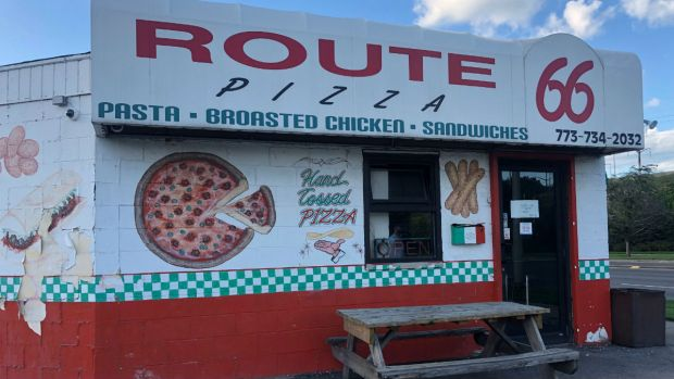 Agentes de ICE realizan arresto en pizzería de East Chicago