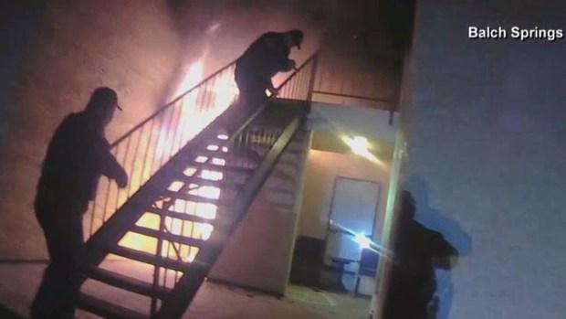 Dramático rescate de madre y su niño de incendio