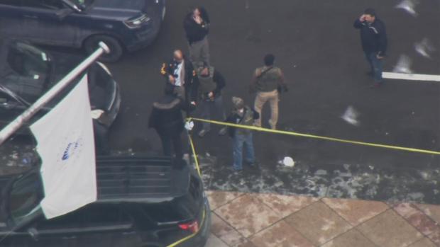 Agencias de ley en la escena de mortal balacera en Thompson Center