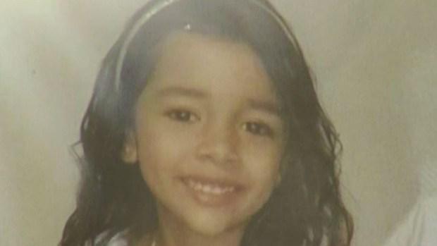 """""""La reconocen por su llanto""""; menor separada de su madre en la frontera"""