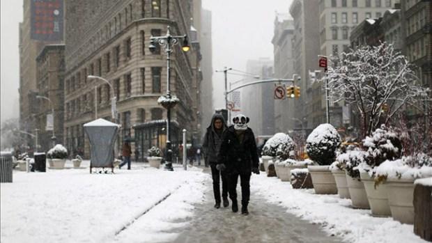 Video: Dos muertos por tormenta invernal
